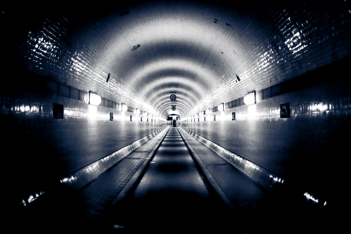 Shine, Elbtunnel, shine
